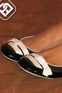 Free picture of a girl wearing ballet flats from BalletFlatsFetish.com - immagine05