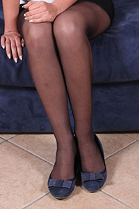 Free picture of a girl wearing ballet flats from Ballerine World.com - petradivano04