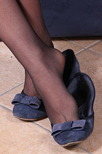 Free picture of a girl wearing ballet flats from Ballerine World.com - petradivano08