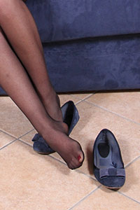 Free picture of a girl wearing ballet flats from Ballerine World.com - petradivano10