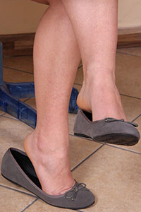 Free picture of a girl wearing ballet flats from BalletFlatsFetish.com - petrascrivania08