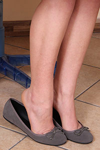 Free picture of a girl wearing ballet flats from BalletFlatsFetish.com - petrascrivania09