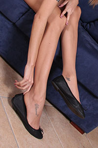 Free picture of a girl wearing ballet flats from BalletFlatsFetish.com - danieladivano07